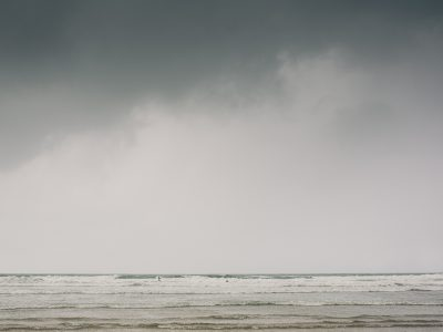 Oxwich Bay Wedding: With surfing at Rhossili Bay - Jo & Jay